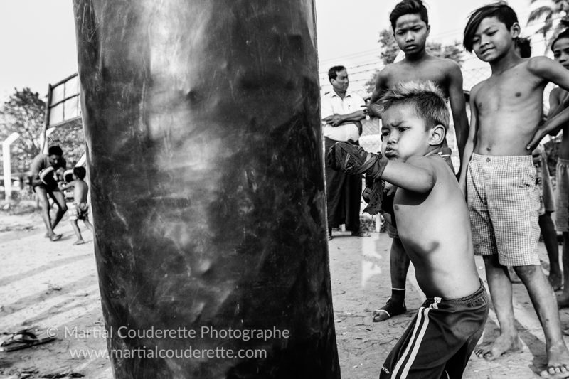 Lethwei : inside the boxing camp